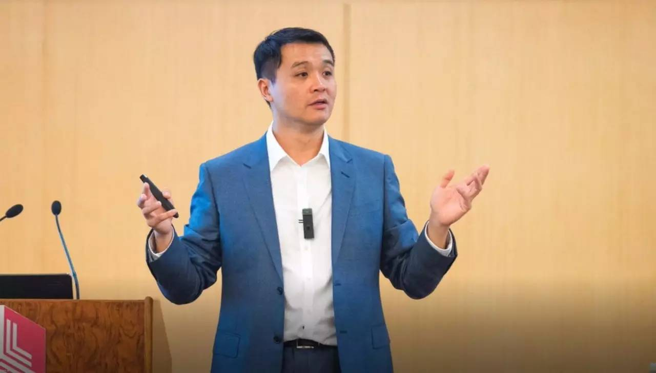 Ning Zhu:Focus more on one's leadership